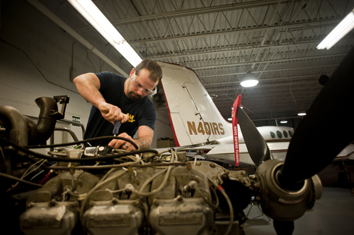 What Does It Take To Bee An Aircraft Mechanic Aim